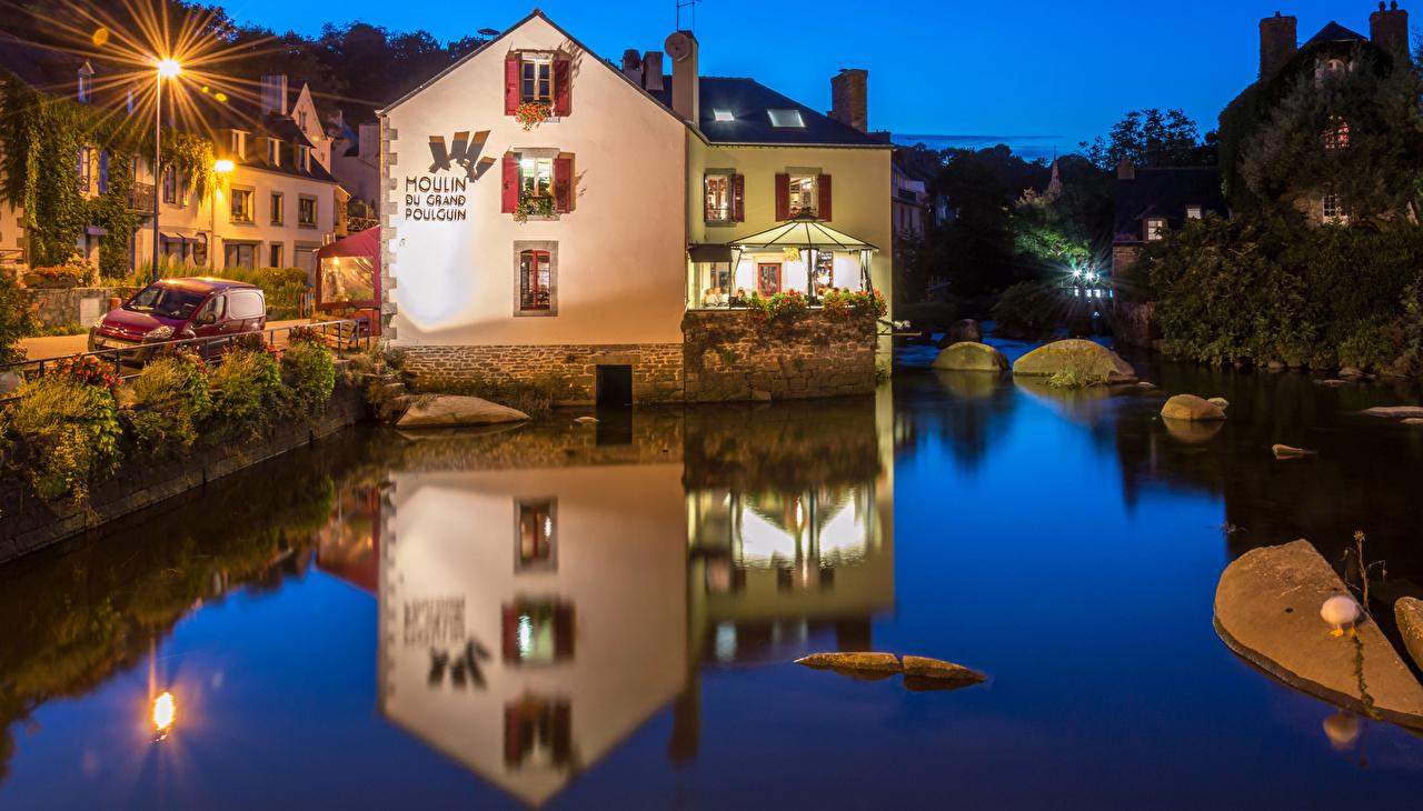 Картинки Франция Pont Aven Реки Вечер Уличные фонари город Здания река речка Дома Города