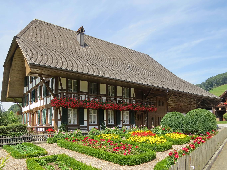 Фото Швейцария Lutzelfluh Кусты Здания Города Ландшафтный дизайн Дома