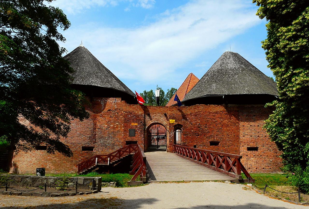 Фотографии Польша Międzyrzecz замок город Замки Города