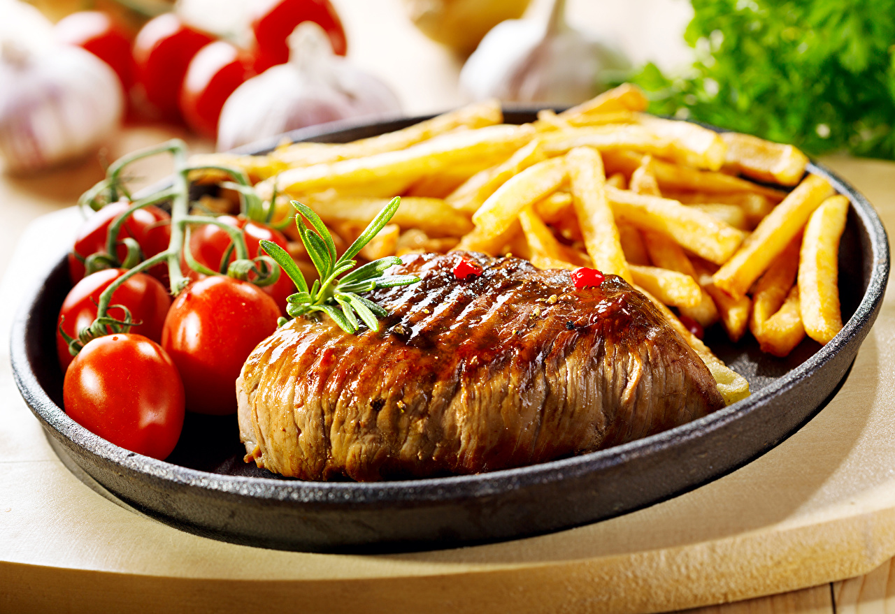 Картинка Томаты Картофель фри Еда Мясные продукты Помидоры Пища Продукты питания