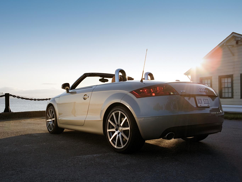 Фото Ауди TT Roadster Родстер кабриолета Небо фар Сзади машина Audi Кабриолет Фары авто машины вид сзади автомобиль Автомобили
