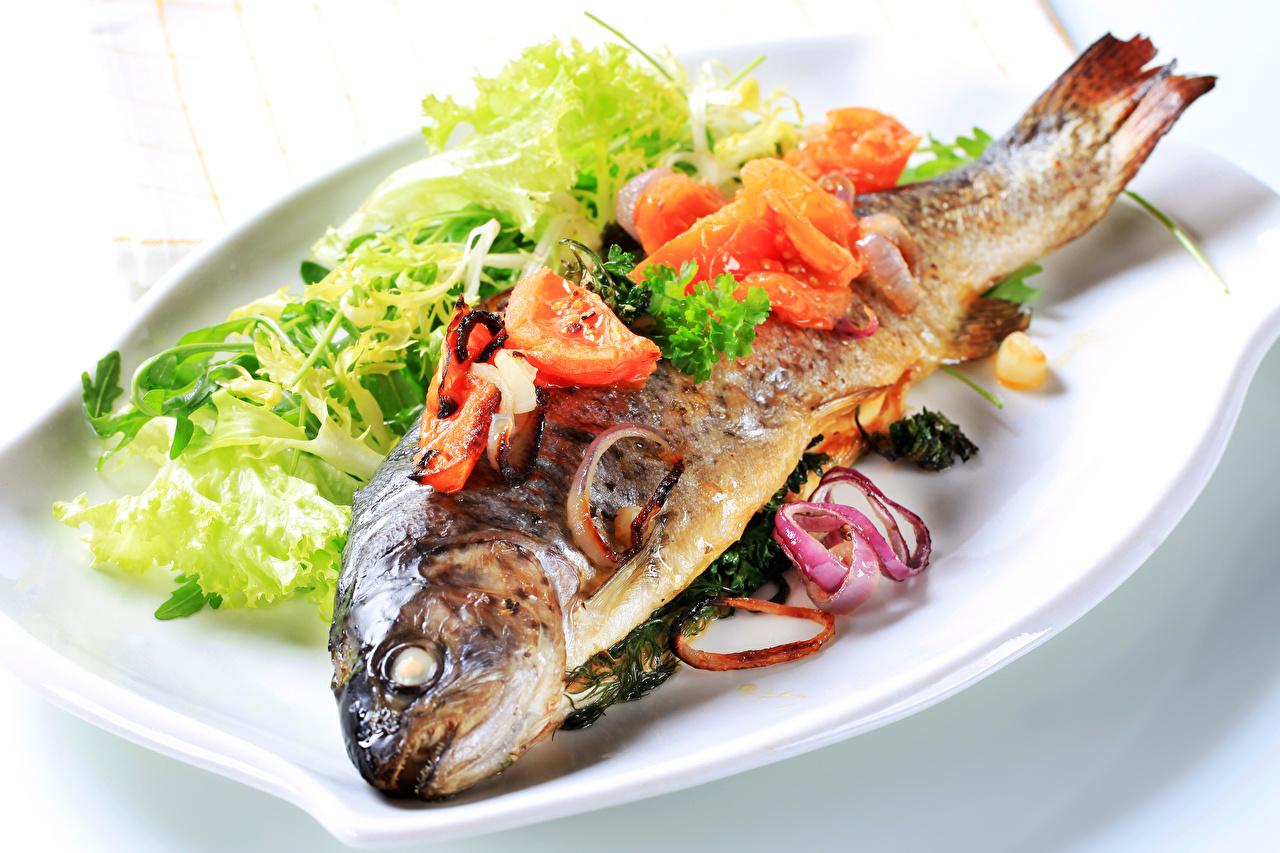 Фотографии Рыба Еда Овощи Тарелка Пища тарелке Продукты питания