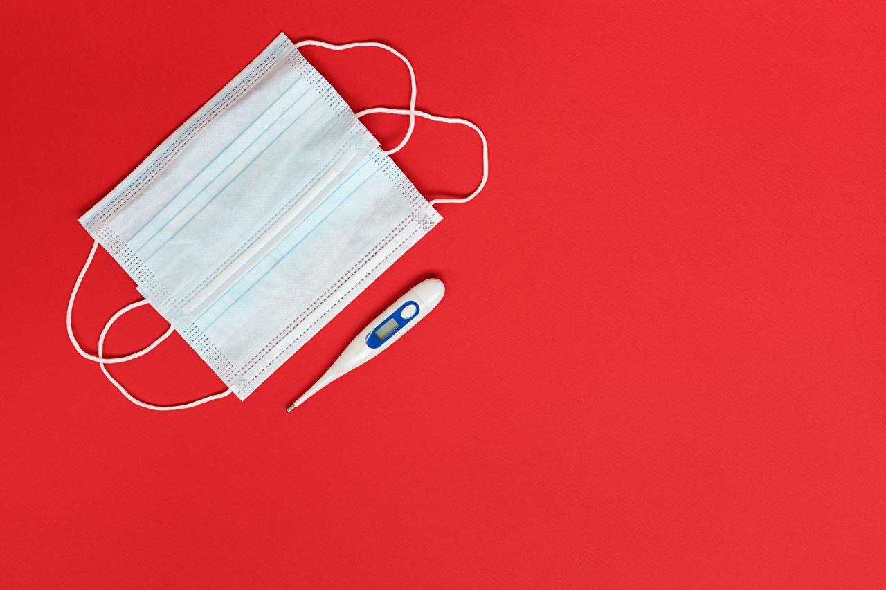 Картинки Коронавирус Градусник Маски Шаблон поздравительной открытки Красный фон Термометр красном фоне