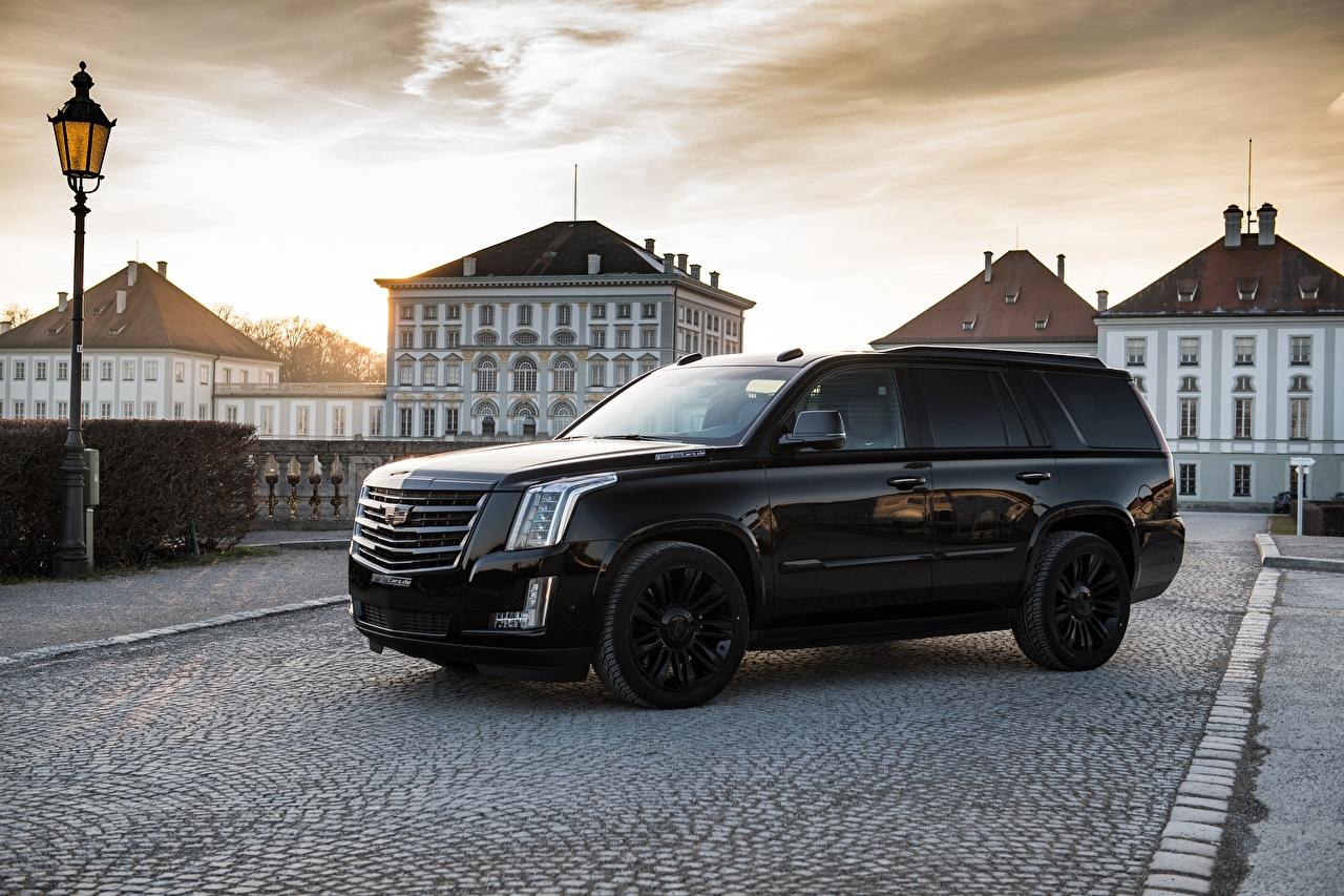 Обои для рабочего стола Кадиллак Escalade 2018 черных Сбоку машина Металлик Cadillac черная черные Черный авто машины Автомобили автомобиль