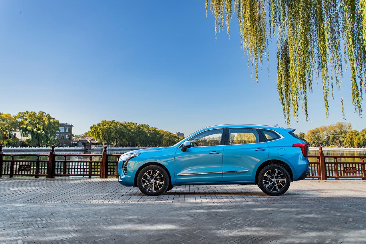 Картинка Haval Кроссовер Chulian, 2020 -- Голубой авто Сбоку Металлик CUV голубая голубые голубых машина машины Автомобили автомобиль