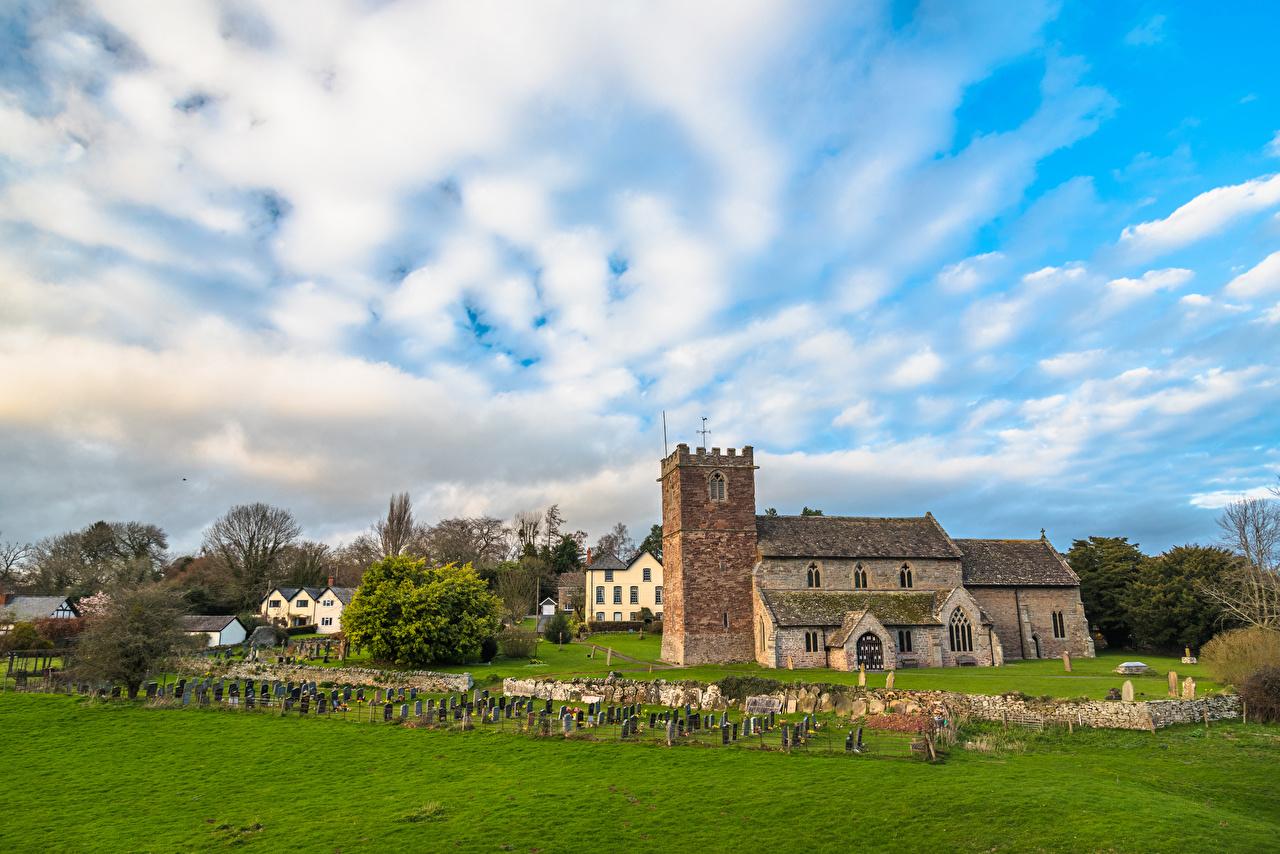 Фотографии Церковь Англия St Mary Church Almeley Herefordshire Забор храм Газон Города ограда забора забором Храмы газоне город