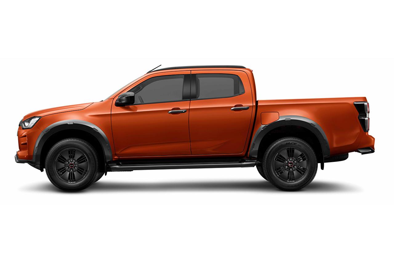 Картинки Isuzu D-Max, Crew Cab, EU-spec, 2020 -- Пикап кузов Оранжевый Сбоку Металлик автомобиль белым фоном оранжевая оранжевые оранжевых авто машины машина Автомобили Белый фон белом фоне