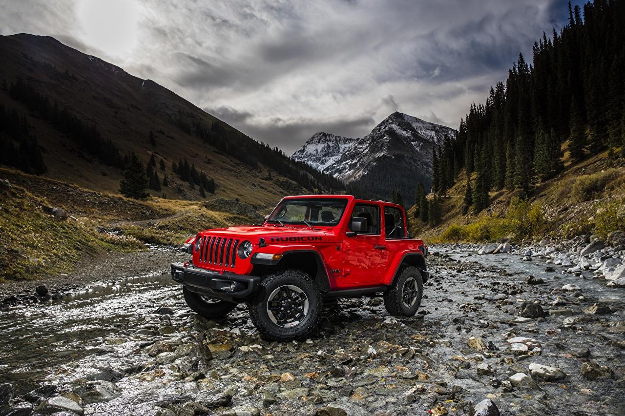Фотографии Jeep Wrangler Rubicon 2018 гора Красный Автомобили Джип Горы красная красные красных авто машины машина автомобиль