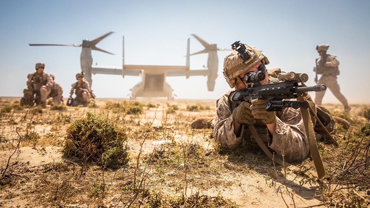Картинка Конвертоплан Десант Солдаты Винтовки американская Армия Десантники высодка десанта солдат винтовка американский Американские военные