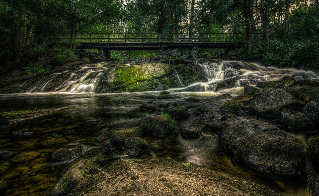 Фотографии Финляндия Karkkila HDRI Мосты Природа Мох Реки Камни HDR речка Камень