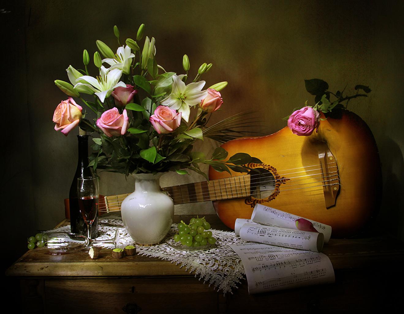 Фотография Ноты Гитара Розы Вино Тюльпаны Цветы Виноград Ваза Бокалы Бутылка Натюрморт