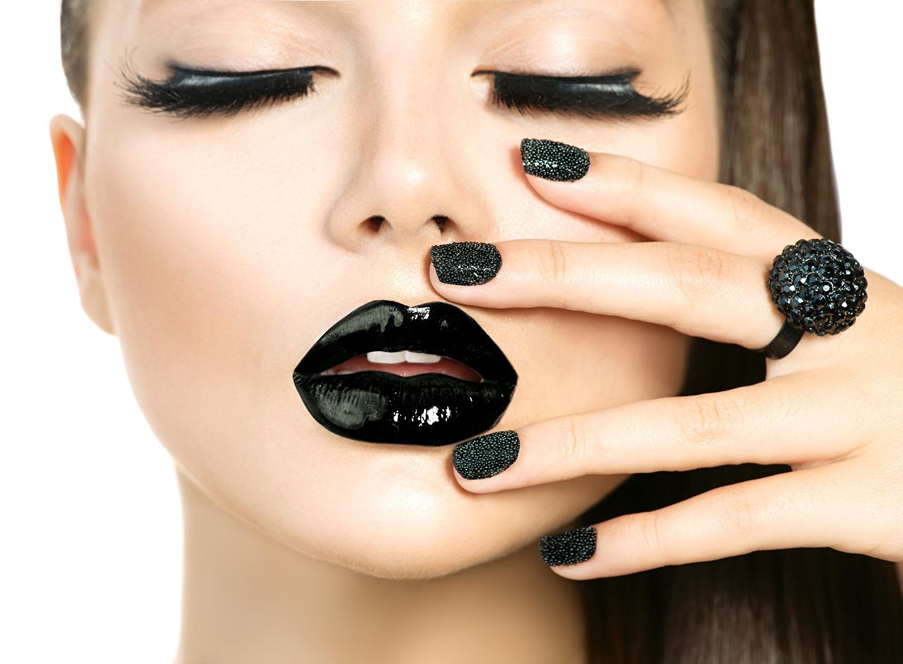 Фотография Модель маникюра Макияж Лицо черная Девушки Губы Пальцы Маникюр фотомодель мейкап косметика на лице лица черные черных Черный девушка молодые женщины молодая женщина