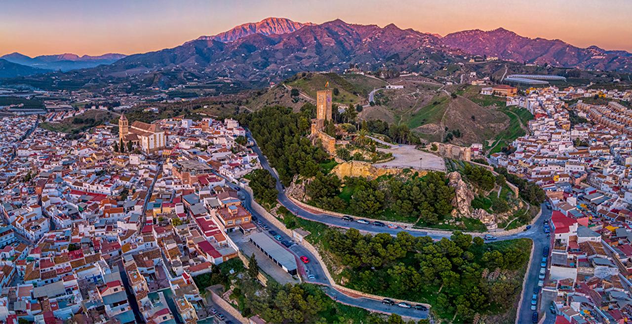 Картинки Испания Malaga холмов Дороги Сверху Дома Города холм Холмы город Здания