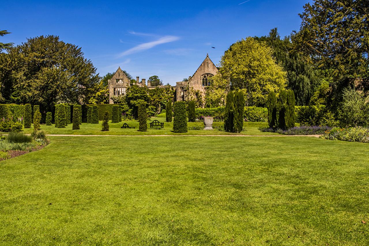 Фото Великобритания Nymans Gardens Природа Парки Газон кустов Дизайн парк газоне Кусты дизайна