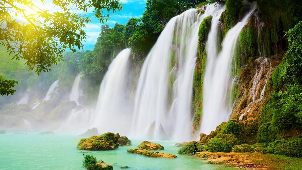 Фотография скалы Природа Водопады Мох Утес Скала скале мха мхом