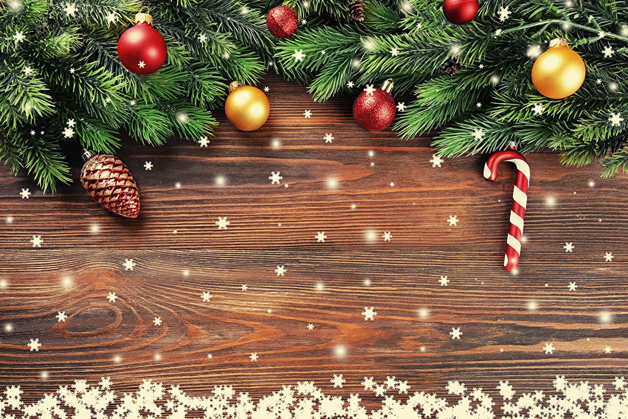 Картинки Новый год снежинка Шар ветка шишка Шаблон поздравительной открытки Рождество Снежинки ветвь Ветки Шишки Шарики на ветке