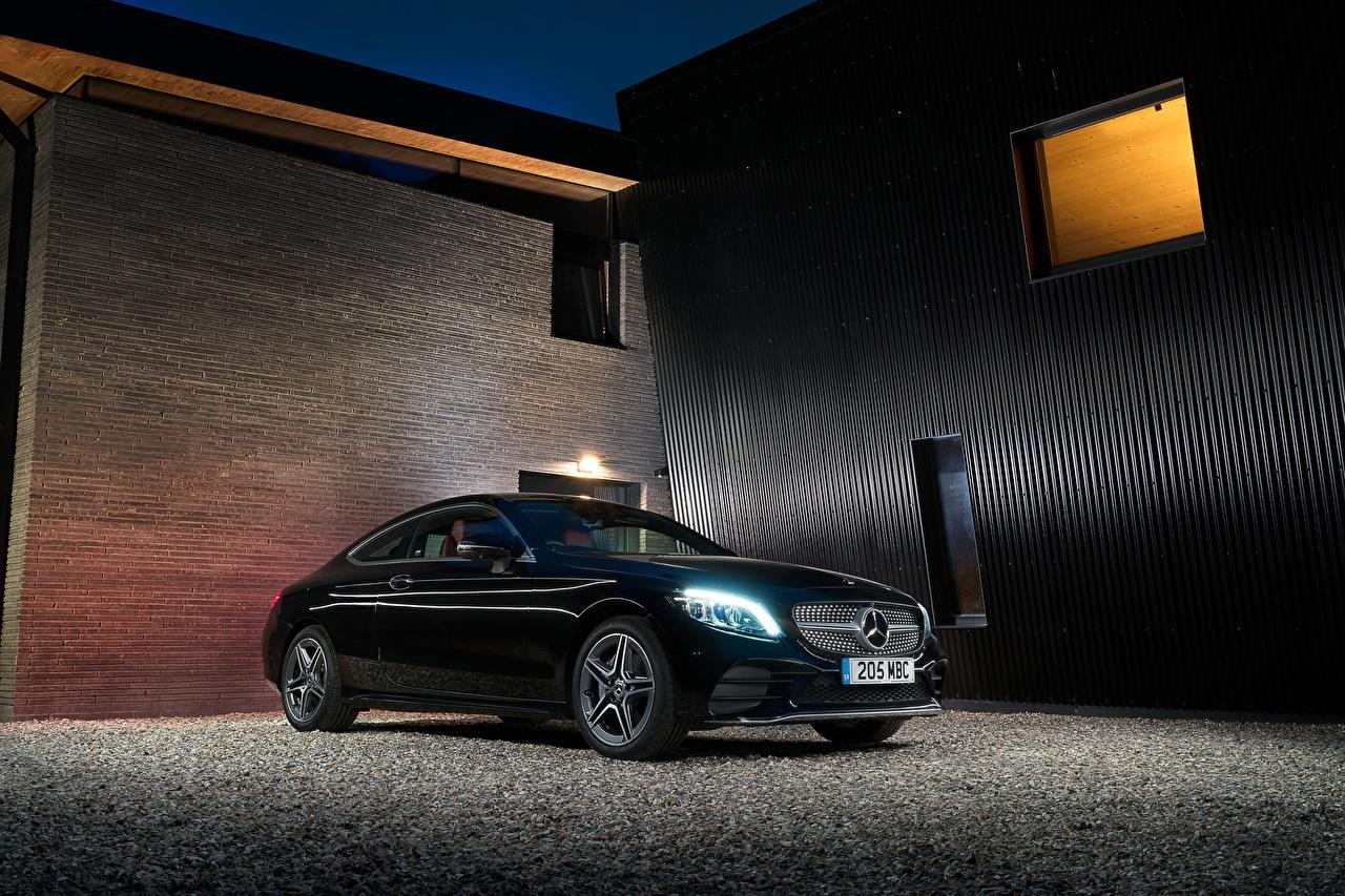 Фотография Mercedes-Benz 2018 C 220 d Coupe AMG Line Черный Металлик Автомобили Мерседес бенц Авто Машины