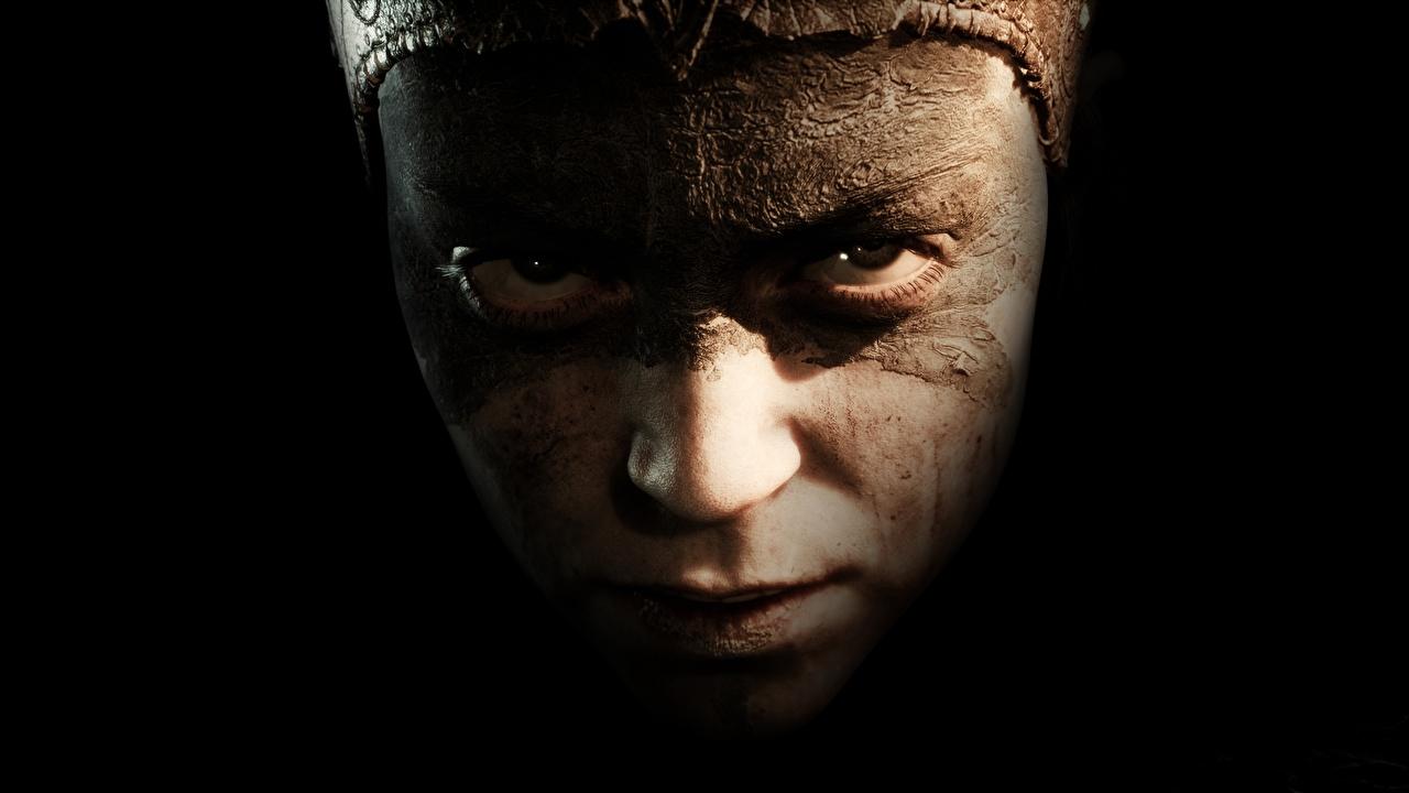 Фото Hellblade: Senua's Sacrifice Лицо Девушки компьютерная игра Взгляд на черном фоне лица девушка молодые женщины молодая женщина Игры смотрит смотрят Черный фон