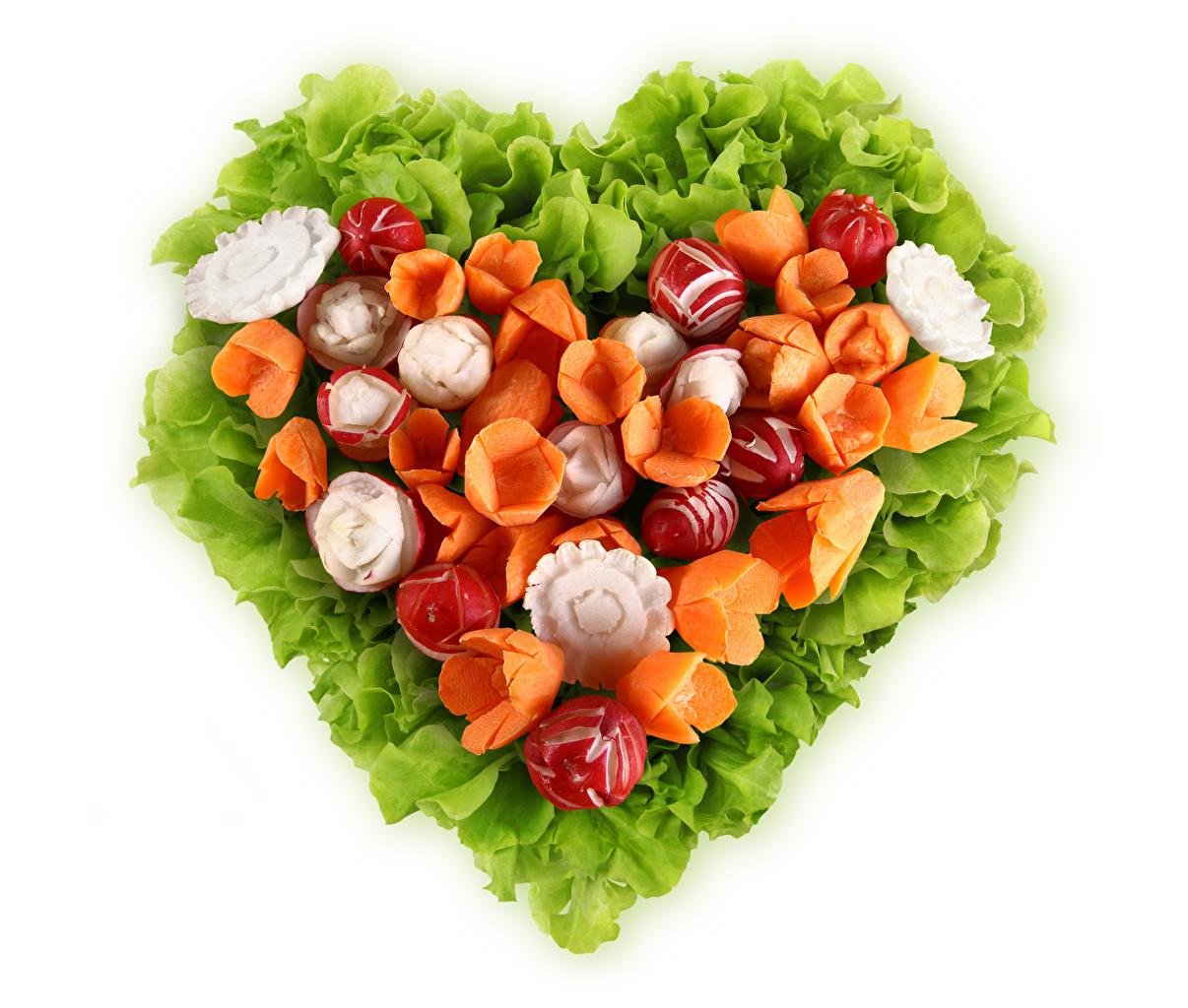 Фотографии серце Редис морковка Еда Овощи белом фоне Дизайн Сердце сердца сердечко Морковь Пища Продукты питания Белый фон белым фоном дизайна