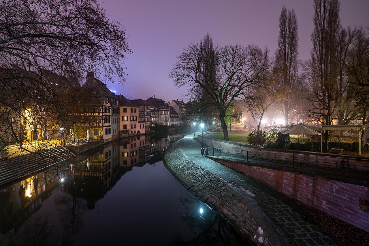 Картинка Страсбург Франция Водный канал Ночь Города Здания Ночные Дома