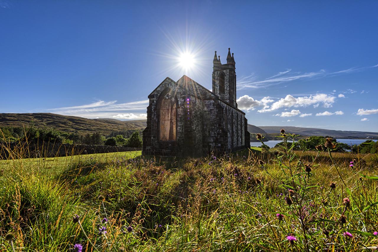 Картинки Церковь Ирландия Dunlewey Church, Donegal солнца Природа старая Каменные Солнце Старый старые из камня
