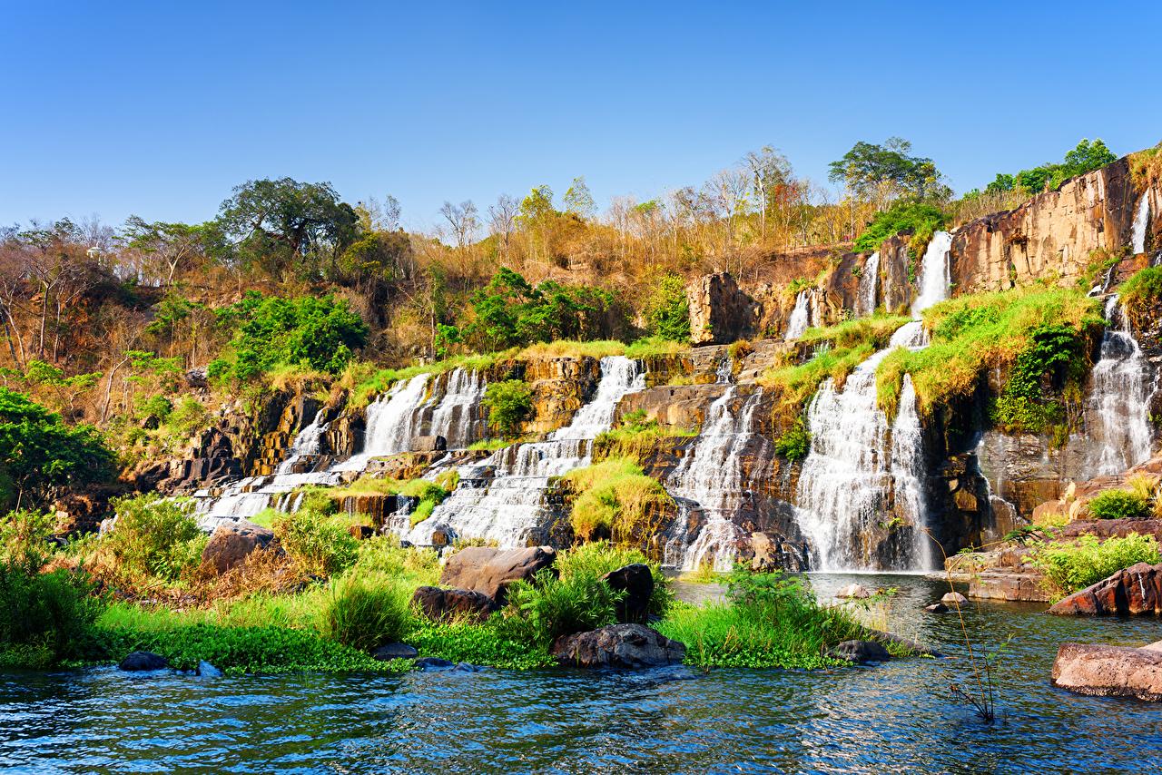 Вьетнам Водопады Осень Камни Pongour waterfall  осенние, Камень Природа