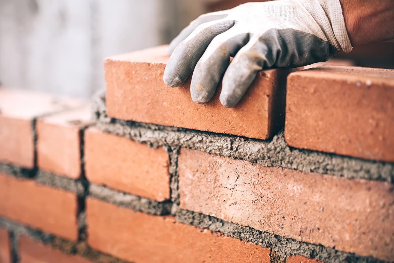 Фотография перчатках из кирпича рука стены Перчатки Кирпичный Руки стене Стена стенка