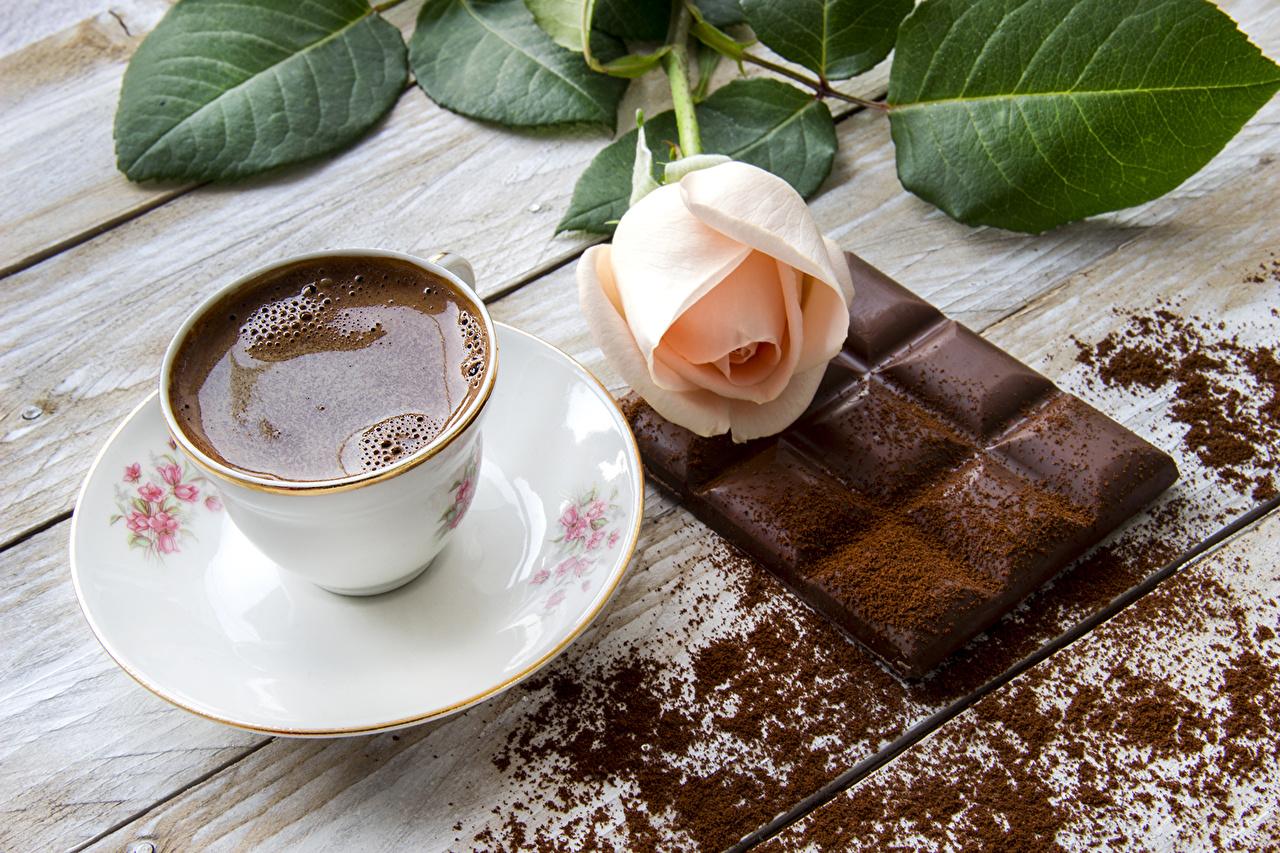 Картинка Шоколадная плитка Шоколад роза Кофе Еда Чашка Натюрморт шоколадка Розы Пища чашке Продукты питания