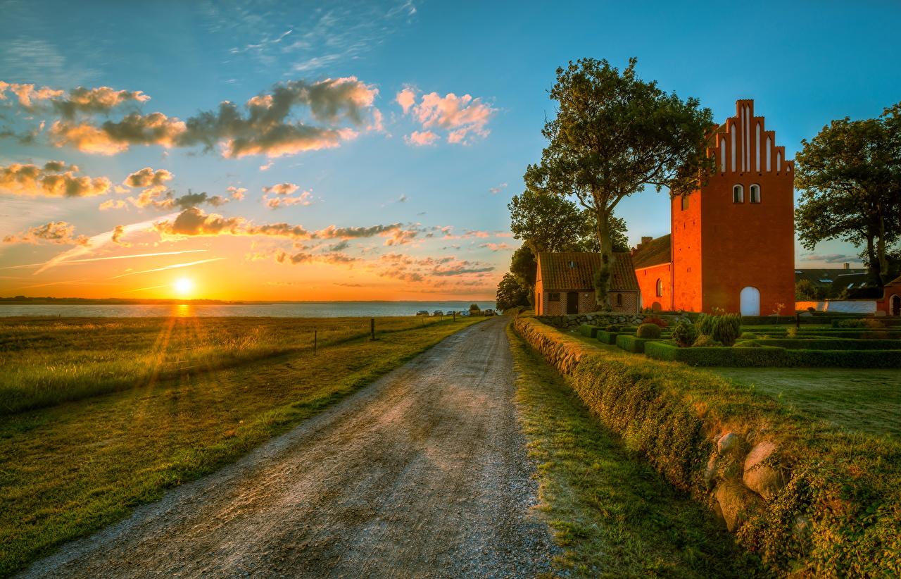 Картинка Германия Природа Дороги рассвет и закат храм Облака Рассветы и закаты Храмы облако облачно