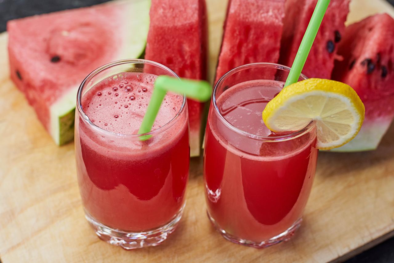 Фото Сок два Арбузы Лимоны стакане Пища 2 две Двое вдвоем Стакан стакана Еда Продукты питания