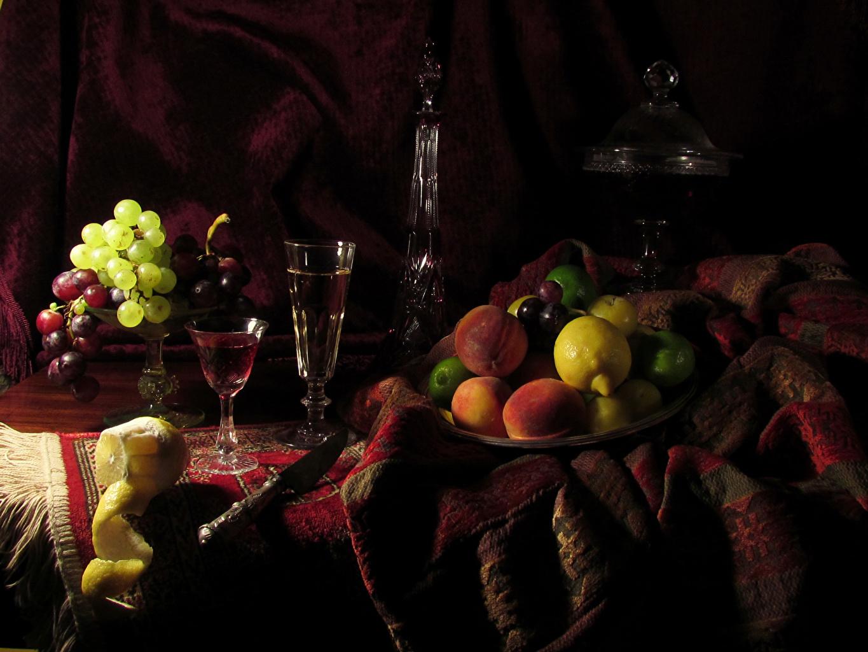 Обои для рабочего стола Вино Лимоны Виноград Еда Бокалы Фрукты бутылки Натюрморт Пища бокал Бутылка Продукты питания