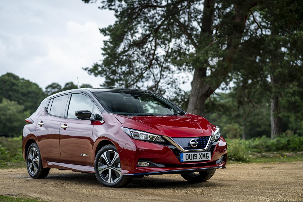 Фотографии Nissan 2019 Leaf e Бордовый машины Металлик Ниссан бордовая бордовые темно красный авто машина Автомобили автомобиль