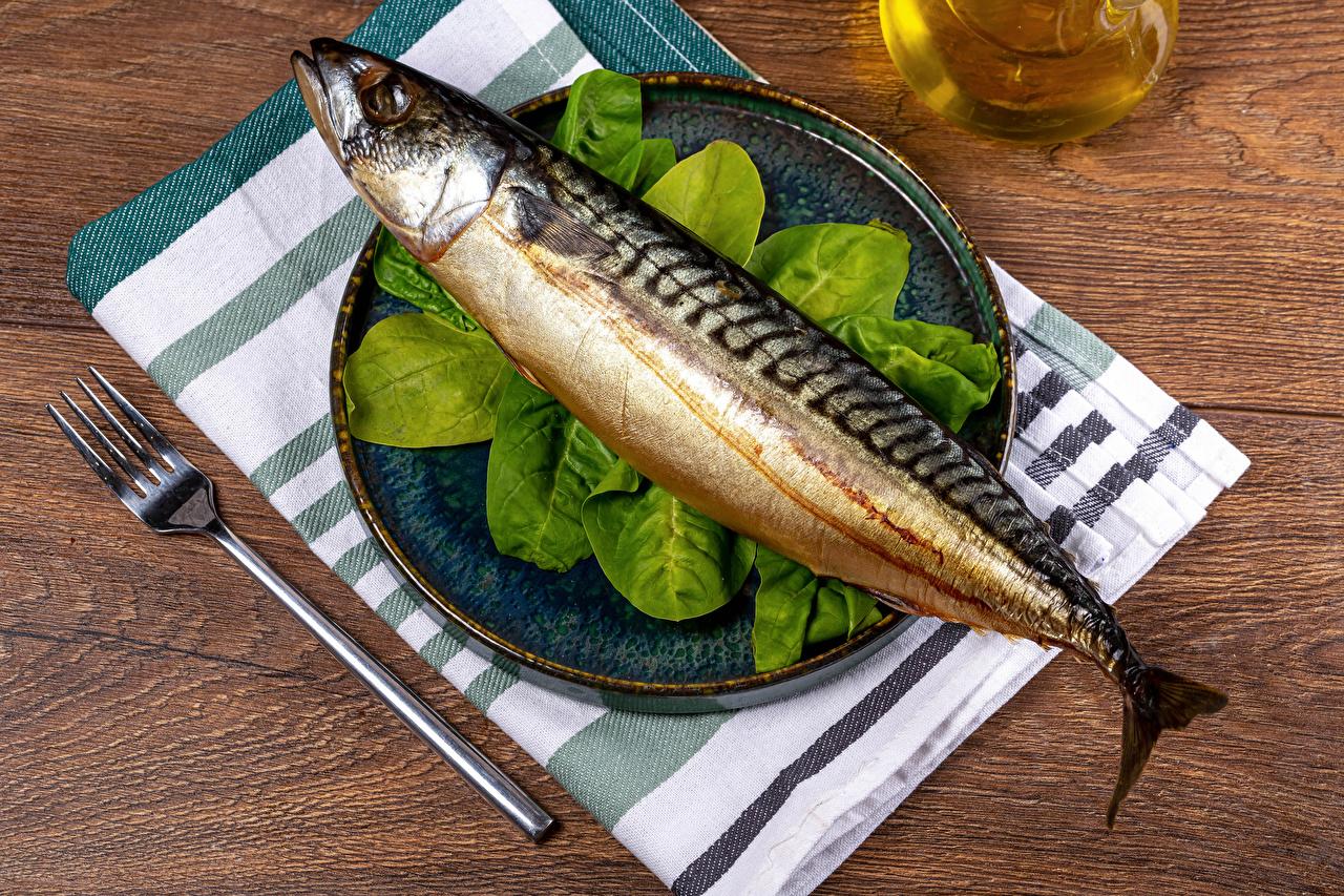 Фотография Рыба Пища вилки Тарелка Еда тарелке Вилка столовая Продукты питания