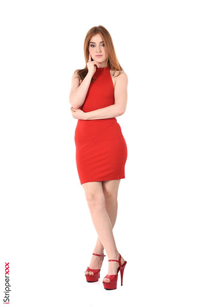 Фотографии Jia Lissa Шатенка молодые женщины ног рука Белый фон платья Туфли  для мобильного телефона шатенки девушка Девушки молодая женщина Ноги Руки белом фоне белым фоном Платье туфель туфлях