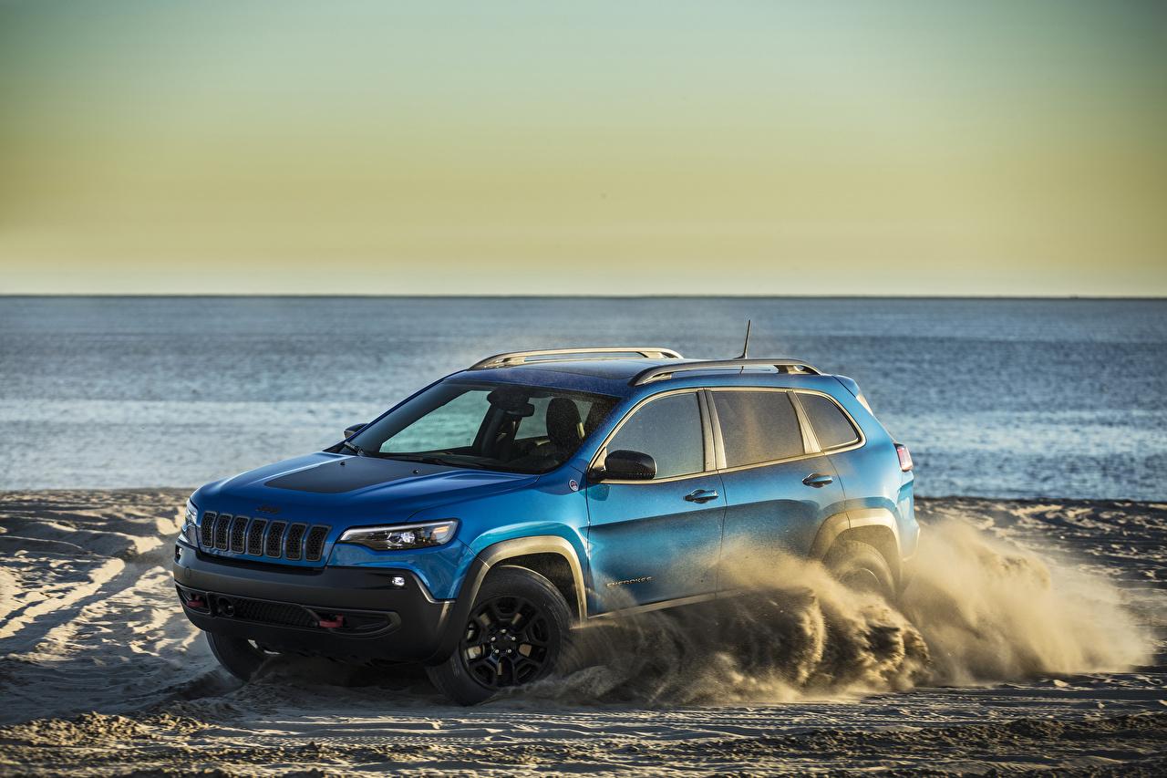 Картинка Jeep 2019 Cherokee Trailhawk голубые автомобиль Джип голубых Голубой голубая авто машина машины Автомобили