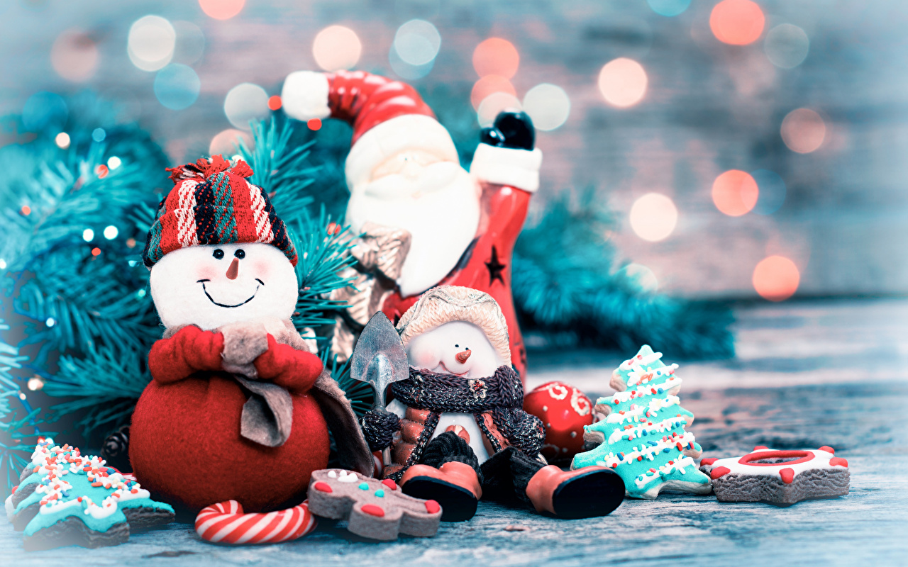 Фотографии Новый год Шарф Улыбка Шапки Дед Мороз Снеговики Трое 3 Рождество Санта-Клаус втроем