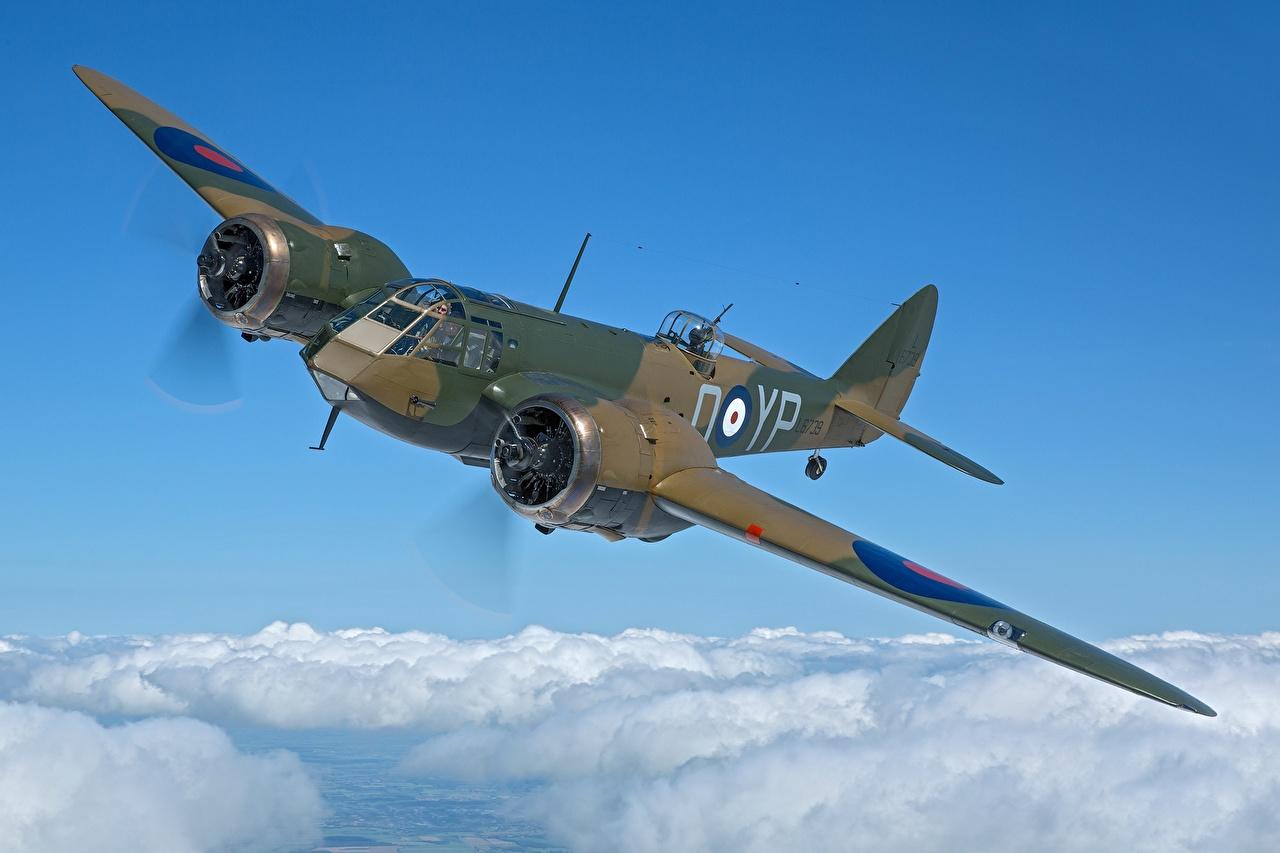 Картинки Бомбардировщик Самолеты британские Bristol Blenheim Mk.I Полет Облака Авиация Британский летят летит летящий облако облачно