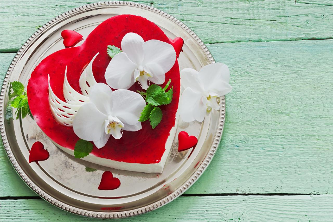 Фото День святого Валентина Сердце Торты Орхидеи Тарелка Продукты питания сладкая еда Доски дизайна День всех влюблённых серце сердца сердечко орхидея Еда Пища тарелке Сладости Дизайн