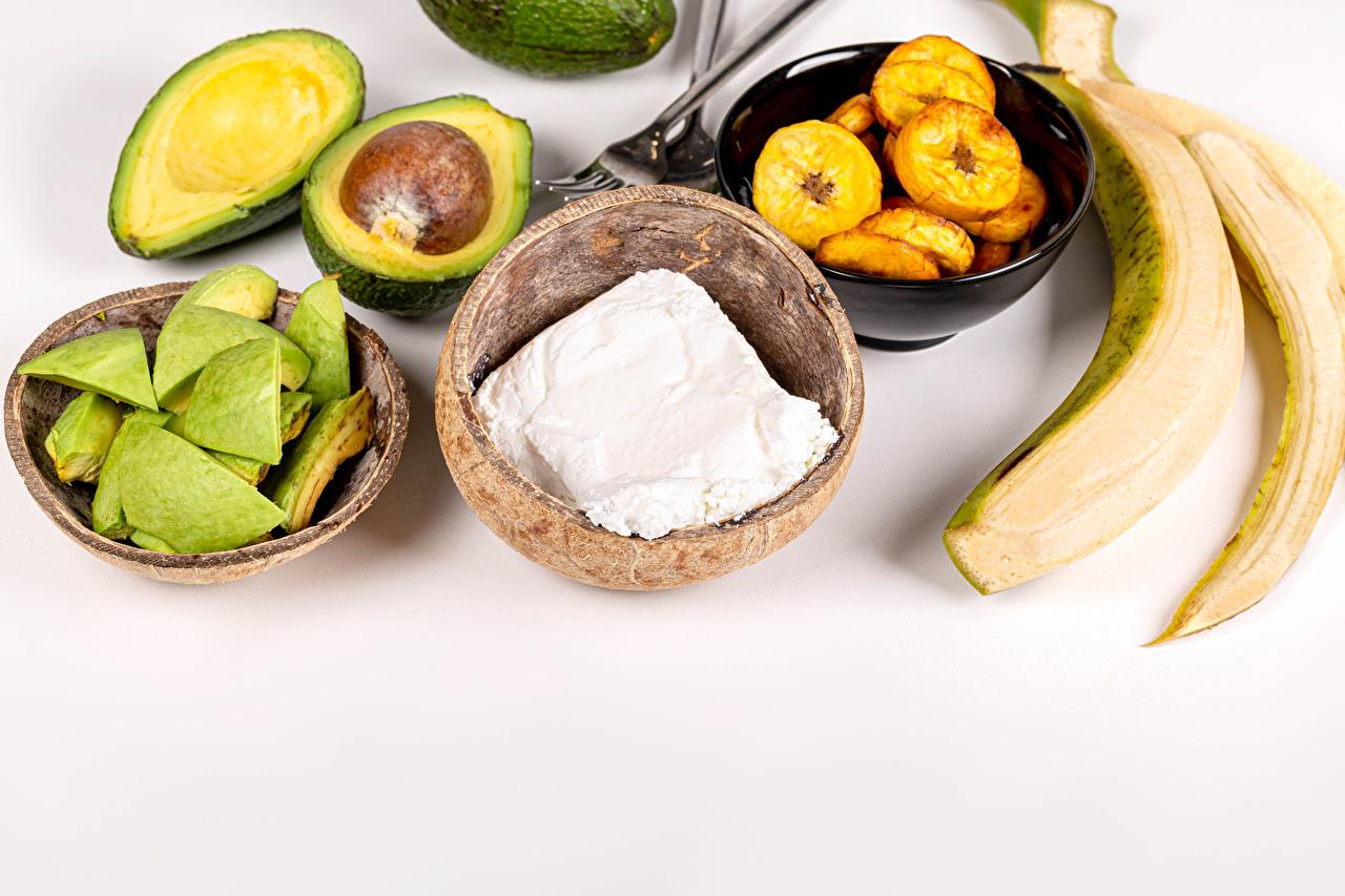 Картинка Творог Бананы Авокадо Еда Серый фон Пища Продукты питания сером фоне