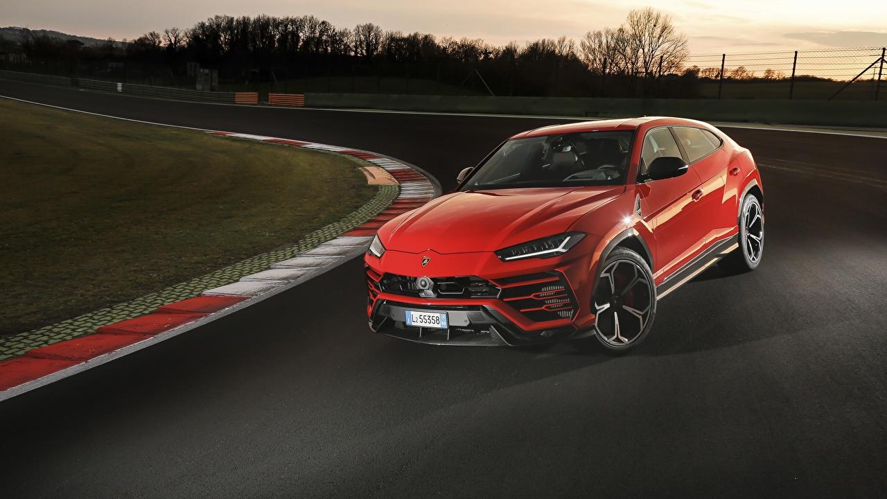 Фотография Ламборгини 2018 Urus Shiny Black Package красные машина Lamborghini красных Красный красная авто машины автомобиль Автомобили
