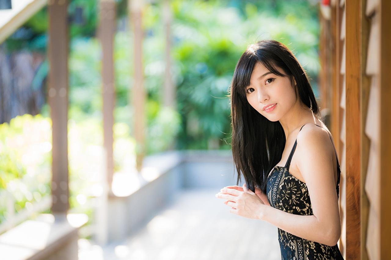 Фото Брюнетка Размытый фон Девушки Азиаты Взгляд брюнеток брюнетки боке девушка молодые женщины молодая женщина азиатка азиатки смотрят смотрит