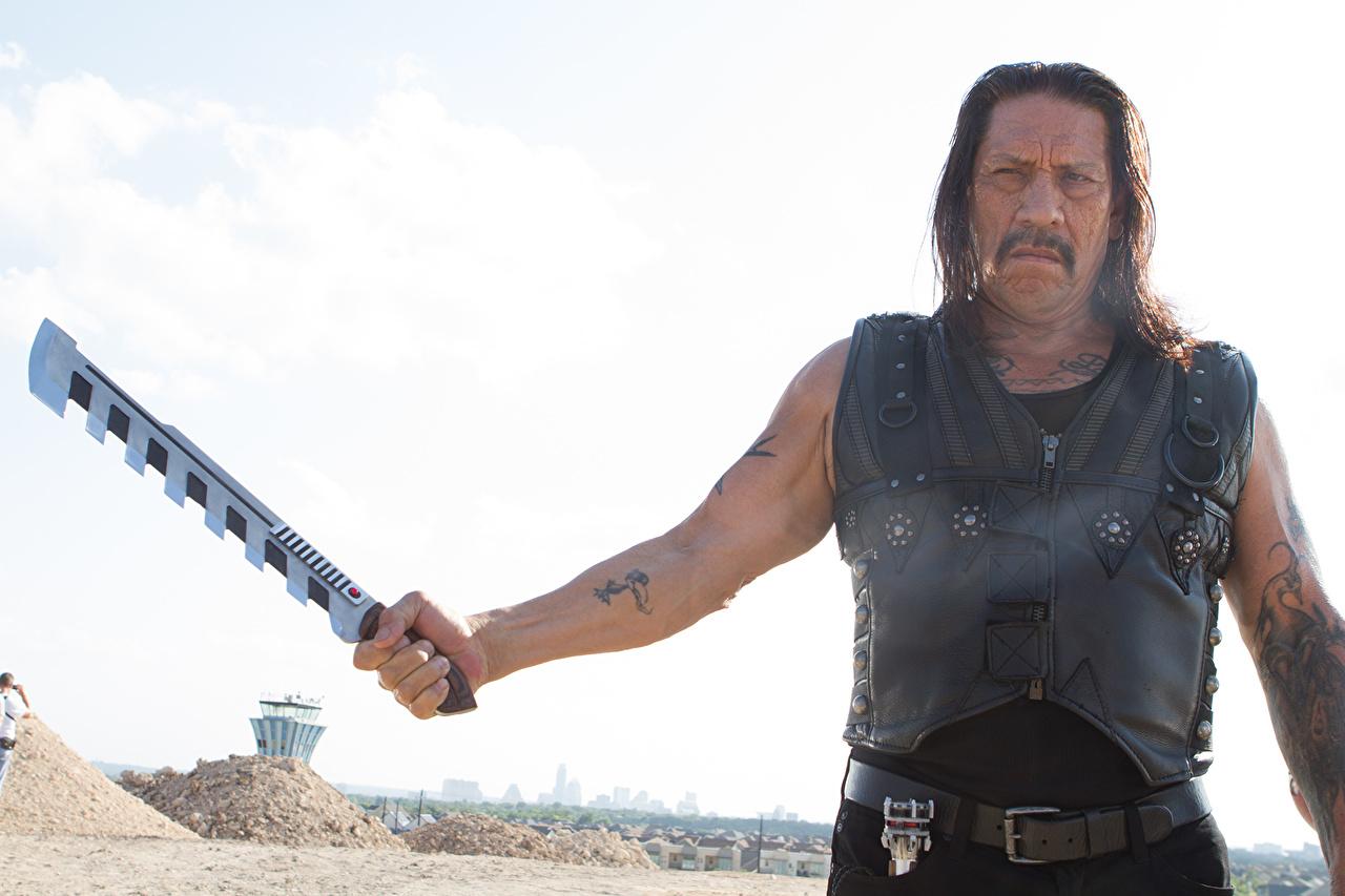 Фото Мачете убивает Danny Trejo мужчина кино Знаменитости Дэнни Трехо Мужчины Фильмы