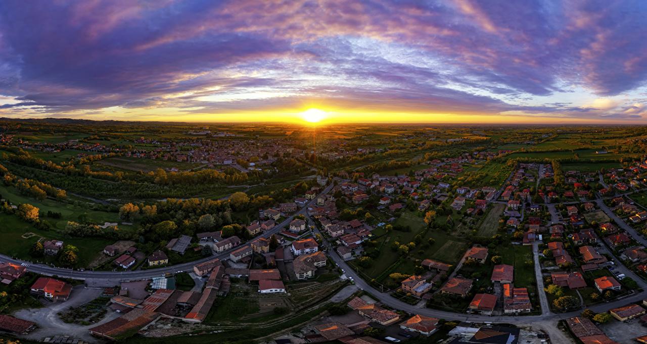 Картинка Италия Rivanazzano Lombardia Солнце Небо Дороги рассвет и закат Сверху Города Здания солнца Рассветы и закаты Дома город