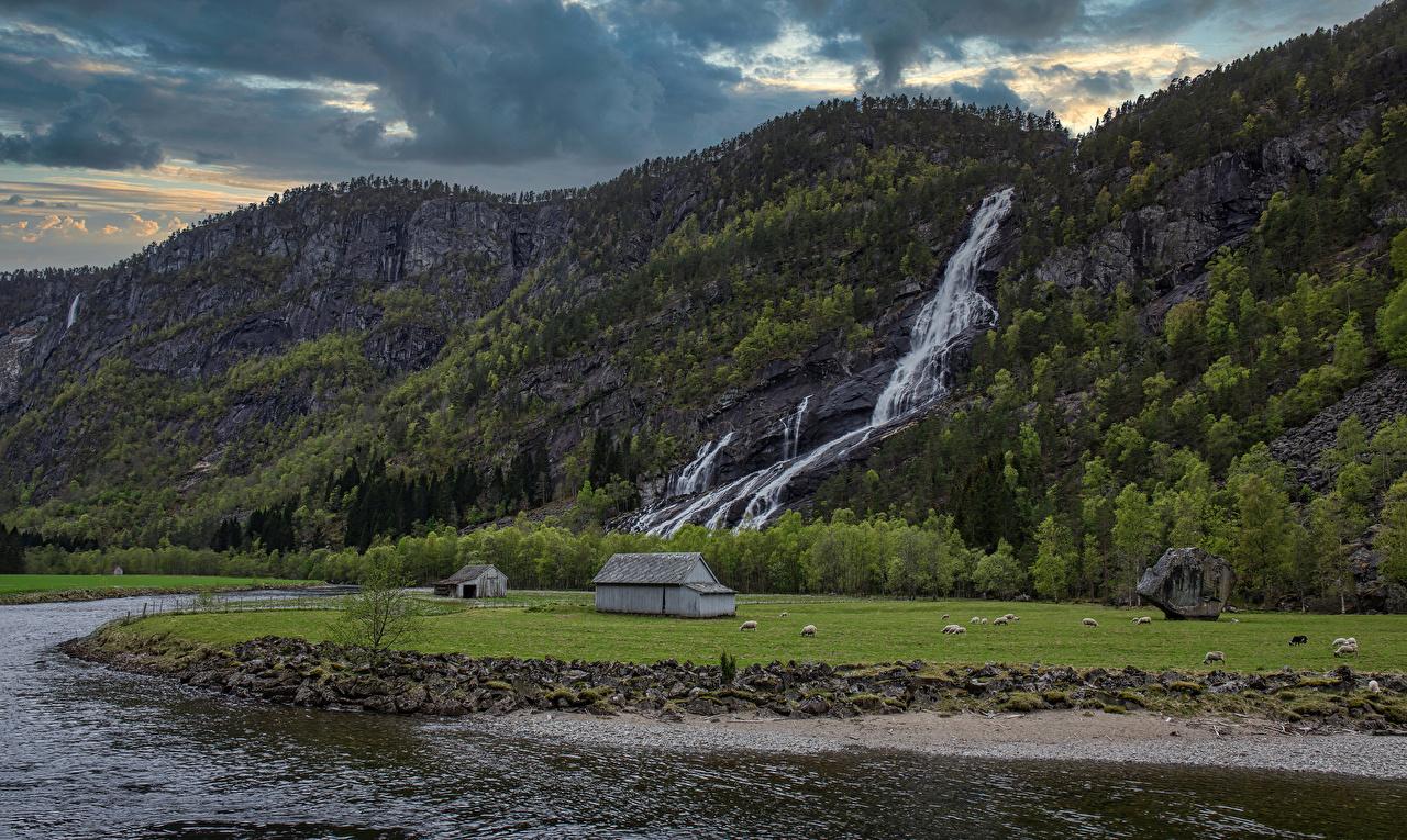 Фото Норвегия Hildal Горы скале Природа Водопады Реки гора Утес Скала скалы река речка