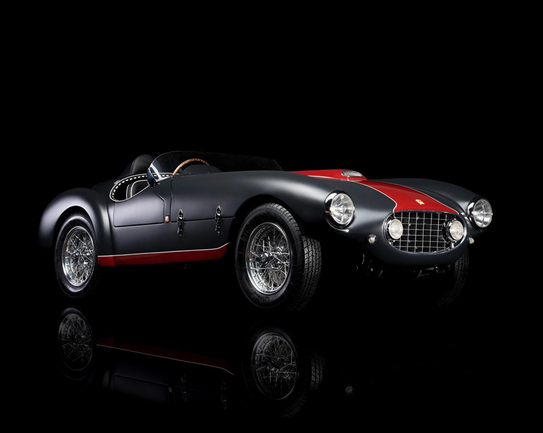 Картинки Ferrari 1953 Classic 166 MM/53 Spyder старинные автомобиль Черный фон Феррари Ретро Винтаж авто машина машины Автомобили на черном фоне