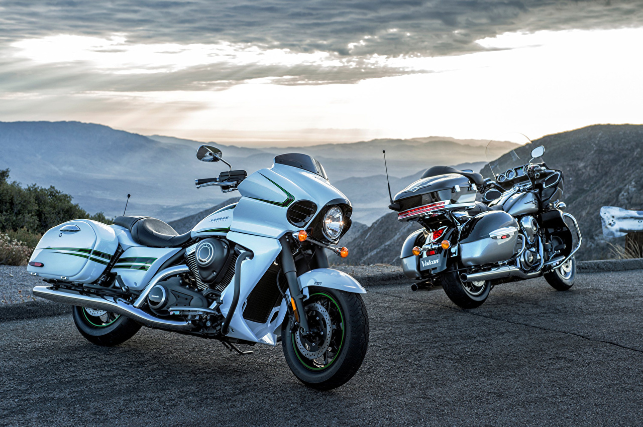 Картинка Kawasaki 2016 Vulcan 1700 Vaquero Двое голубые мотоцикл Кавасаки 2 два две вдвоем голубая Голубой голубых Мотоциклы