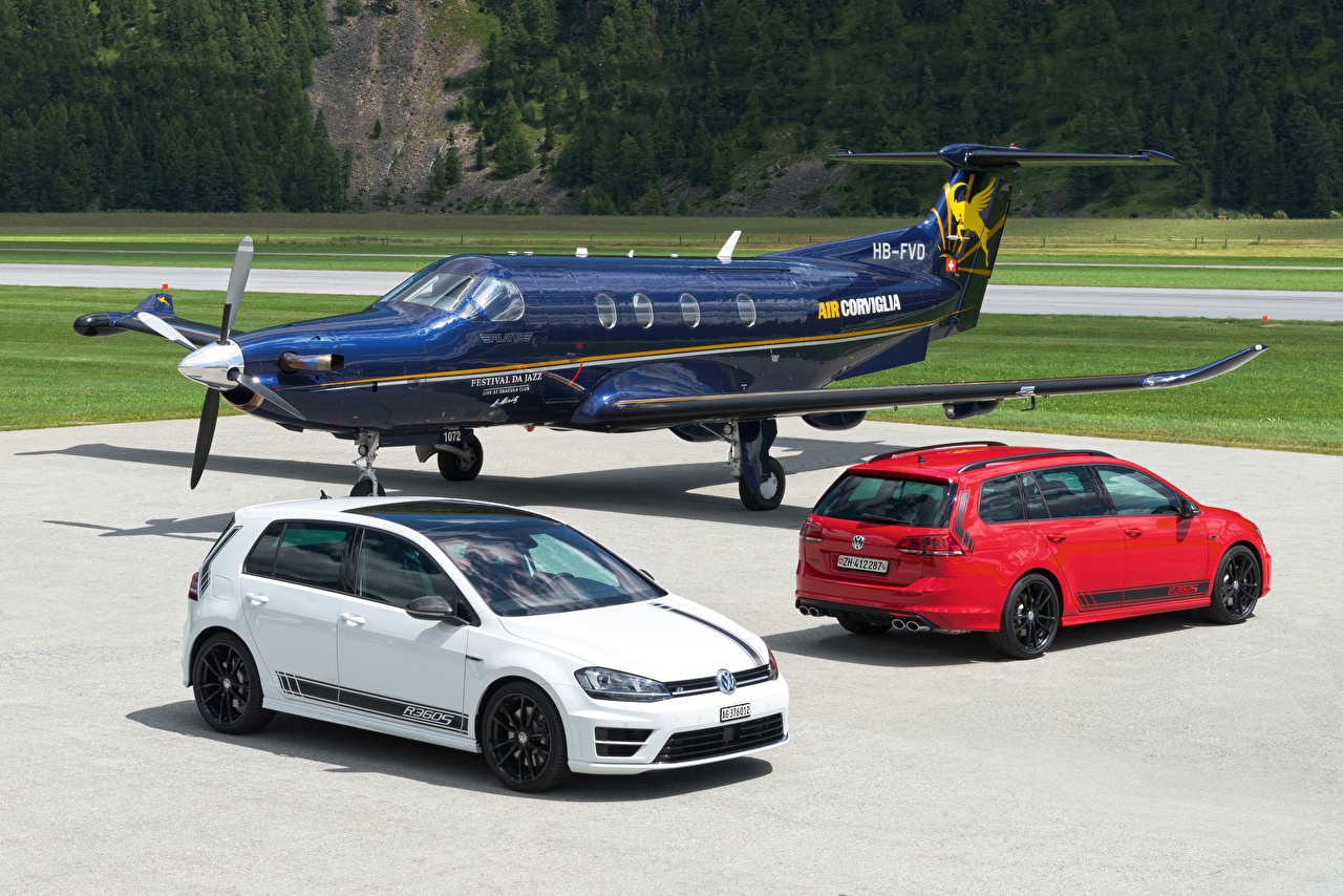 Обои Volkswagen Самолеты 2012-16 Golf Двое Авто Металлик Авиация Фольксваген 2 вдвоем Машины Автомобили