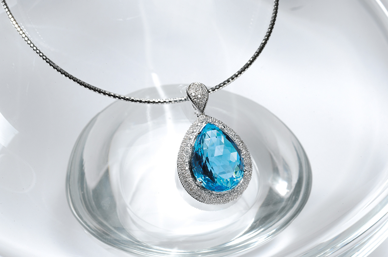 Фотографии ожерелья Крупным планом Украшения Ожерелье ожерельем вблизи