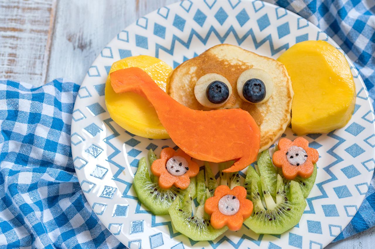 Фотографии Слоны Блины Еда Овощи Фрукты тарелке Дизайн слон Пища Тарелка Продукты питания дизайна