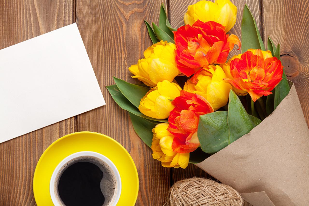 Картинки Букеты Кофе Тюльпаны Цветы чашке Шаблон поздравительной открытки Доски букет тюльпан цветок Чашка